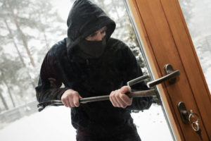 home security cameras help to prevent theives breaking into your home