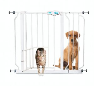 Carlson Extra Wide Baby Gate with Pet Door